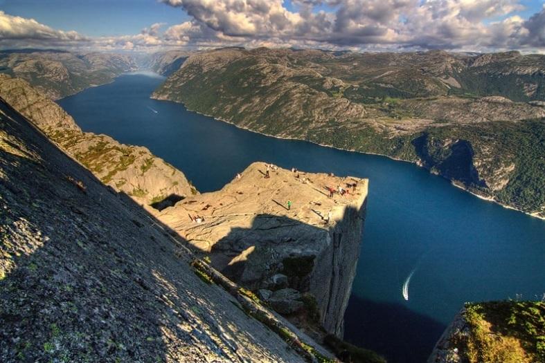 Preikestolen, fiordy, przyroda norwegii
