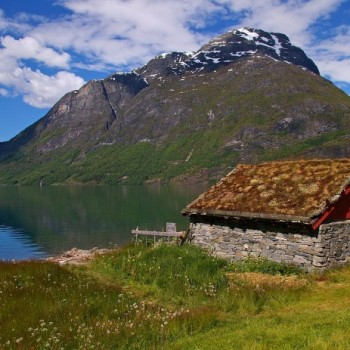norway-hytte_-696x463